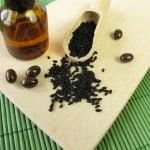 Schwarzkümmel und Schwarzkümmelölkapseln